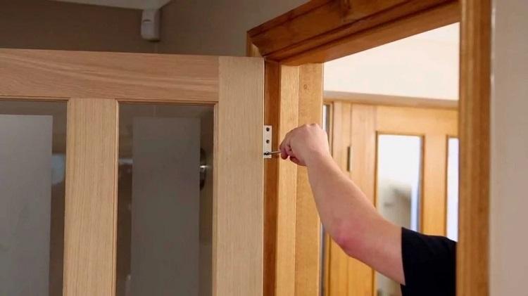Монтаж и установка межкомнатных дверей своими руками
